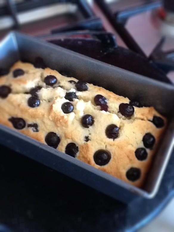 Cherry almond cake2