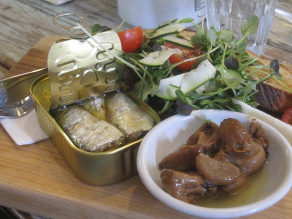 Sardines with caramalised garlic