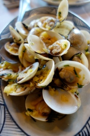 Clams in pineapple sauce